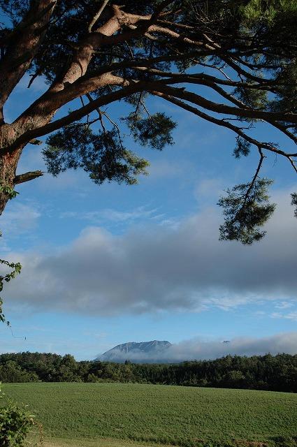 鳩ヶ原から見る大山12