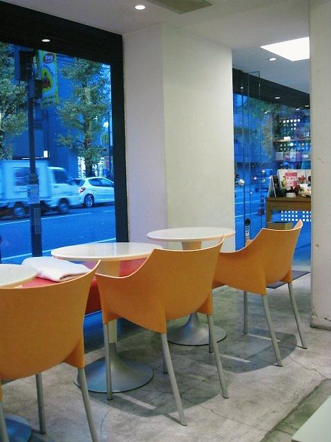店内の一角にカフェコーナー