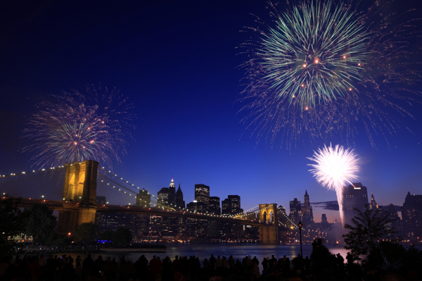 fireworks_brooklyn_bridge.jpg