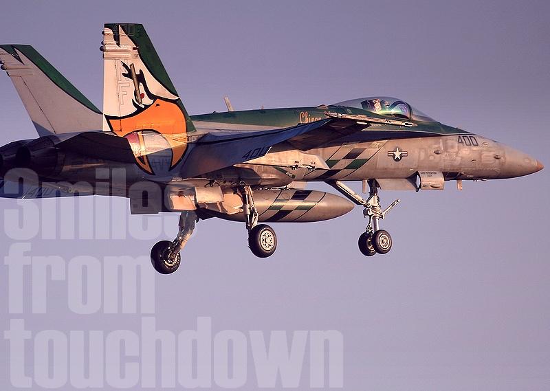 F-18 VFA-195 NF400 厚木基地