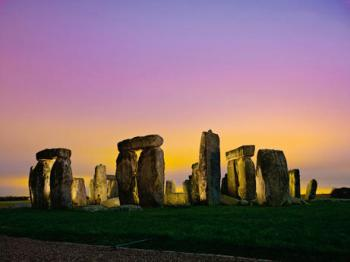 080529-stonehenge-cemetery_big_convert_20100817210750.jpg