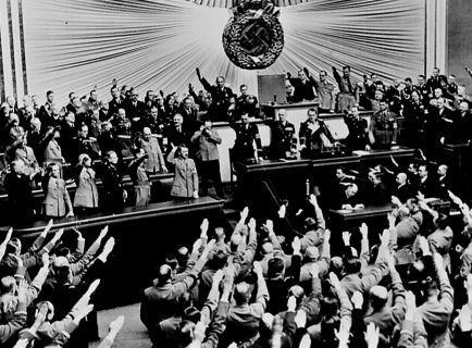 1-Hitler_Reichstag_1938_convert_20110902211240.jpg
