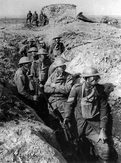 448px-Australian_infantry_small_box_respirators_Ypres_1917_convert_20100727195345.jpg