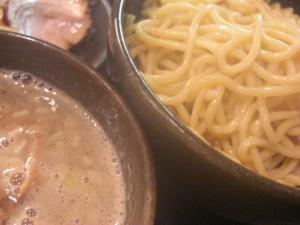 09112214とんや・特製つけ豚そば スープ&麺アップ
