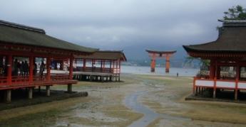 大鳥居と厳島神社