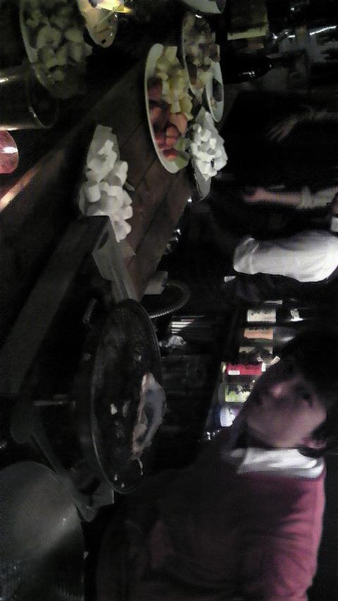 牡蠣とチョコフォンデュと見切れるシュスケ