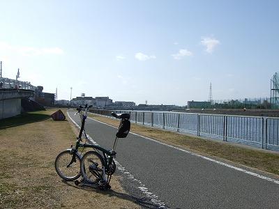 なにわ自転車道 神崎川駅入口