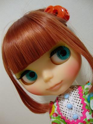 レトロママアップ髪
