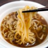 伊駄天 醤油らー麺 の麺