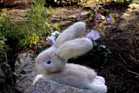 羊毛フェルトウサギ