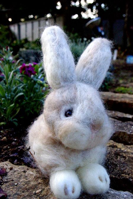羊毛フェルトウサギ2