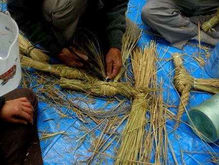 しめ縄を編む2