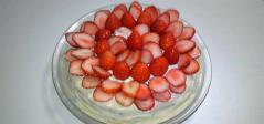 華やかイチゴのベジケーキ