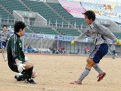 20081211遠藤ゴル前2