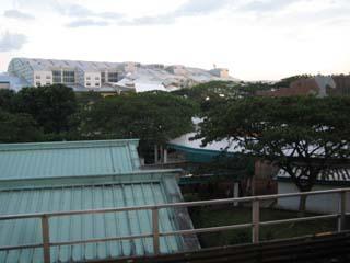kranji駅から観た競馬場