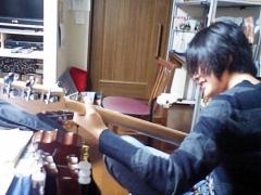 まずは楽器と2フィンガー奏法に慣れよう