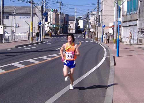 宮崎県小林市を走る選手