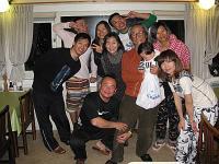 香港からの人達30人