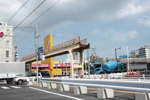 撤去される歩道橋3