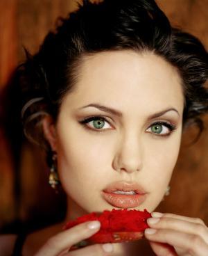 Angelina Jolie6_