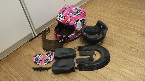 ponji_09_helmet_l.jpg