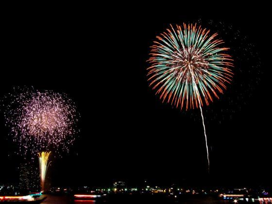 昨年の横浜開港祭の花火