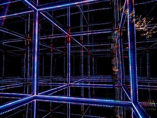 東京ミッドタウンタワー プリズムアベニューのイルミネーション(2)