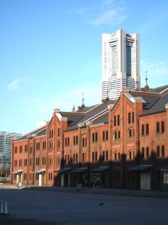 赤レンガ倉庫と横浜ランドマークタワー