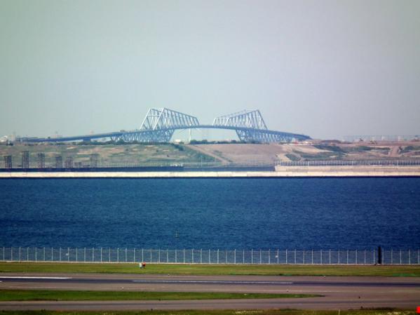 羽田空港から見た東京ゲートブリッジ