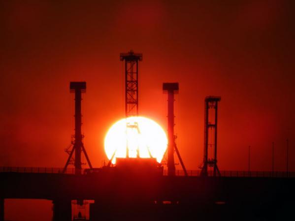 大さん橋国際旅客ターミナル デッキ(通称:くじらの背中)で見た初日の出(2)