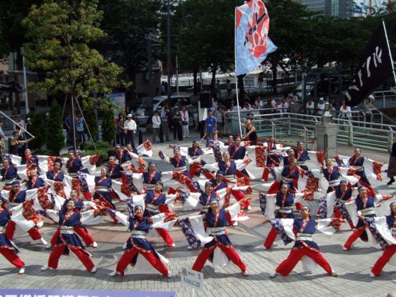昨年の横浜開港祭で行われたハマこい踊りイベント