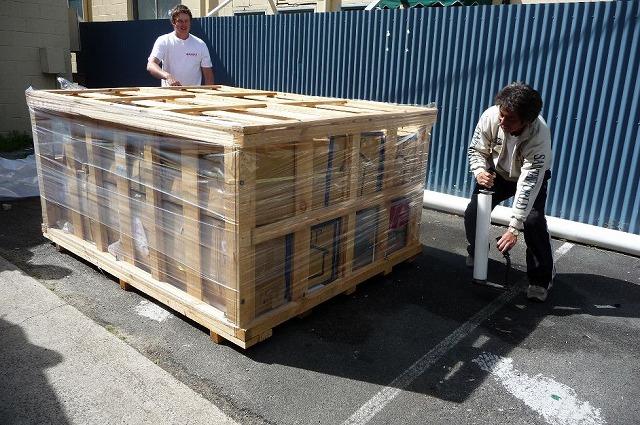 荷物の木枠-1