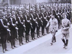 ムッソリーニとヒットラー