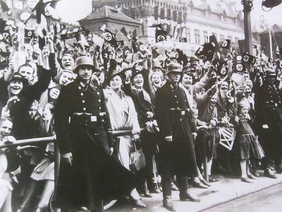 ナチスパレード