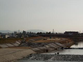天白川から見える三国山