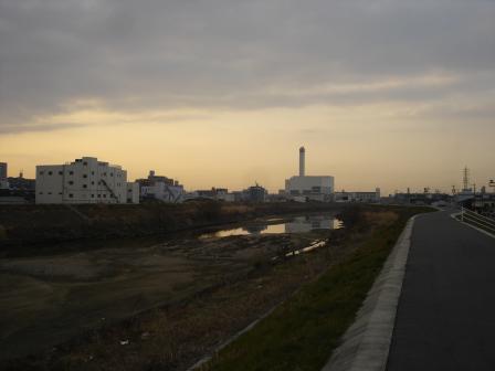 朝の天白川
