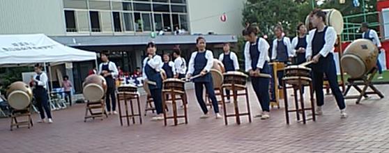 地元の方々による太鼓