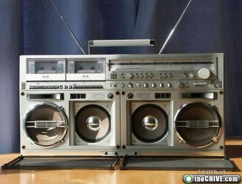 rad-boombox-ghettoblaster-a8.jpg