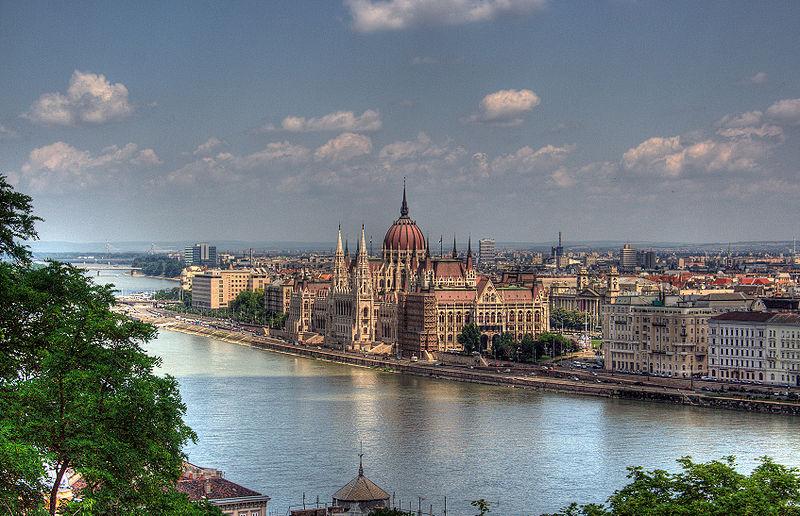 800px-Budapest.jpg