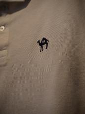 ジャーニーキャメル刺繍ポロシャツ