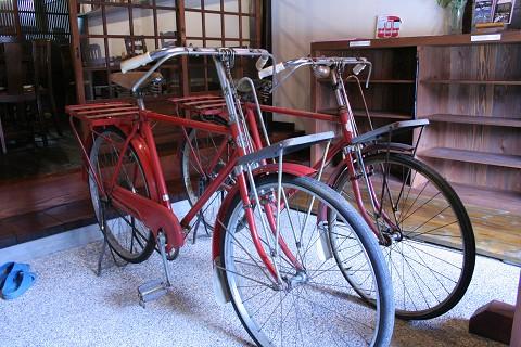 郵便局のレトロな自転車が…