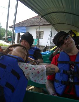 タイ変な3人