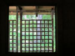 玄関小窓jpg