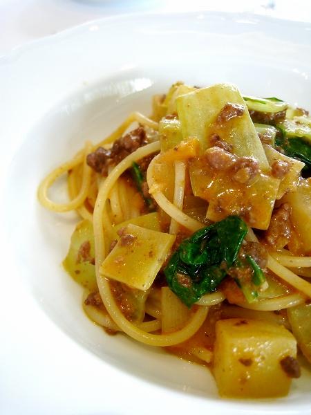 仔牛のバラ肉の煮込みと聖護院大根のスパゲッティーニ-3