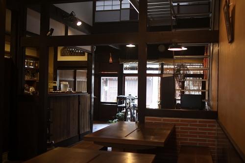 Ratna Cafe003