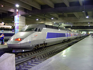 300px-TGV_train_inside_Gare_Montparnasse_DSC08895.jpg