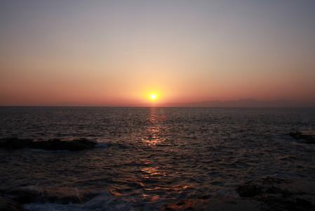 夕日が沈む所
