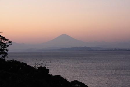 以前知らない叔父様にここから撮る富士山が綺麗と聞いたので・・・