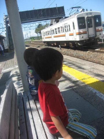 電車待ち(^^)