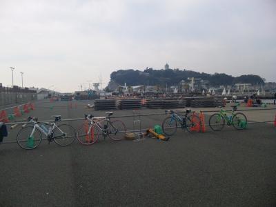 江ノ島バック4台